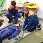 Jugendfeuerwehr Siershahn frischt Kenntnisse in den Themen Erste Hilfe und Patientenrettung auf